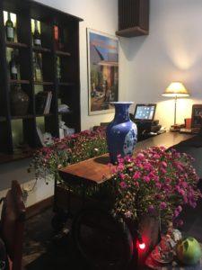 アンジェリーナ&ブラピがお忍びで訪れたホーチミン隠れ家カフェ【Cuc Gach Cafe】