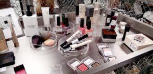 中国の次世代化粧品小売ブランド「HARMAY (话梅)」の人気の秘密を分析